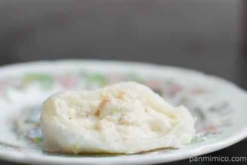 「沖縄県産黒糖のメロンパン」中身