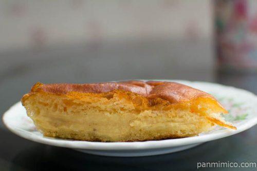 【ブーランジェリ ナオ 】クリームパン中身はこんな感じ