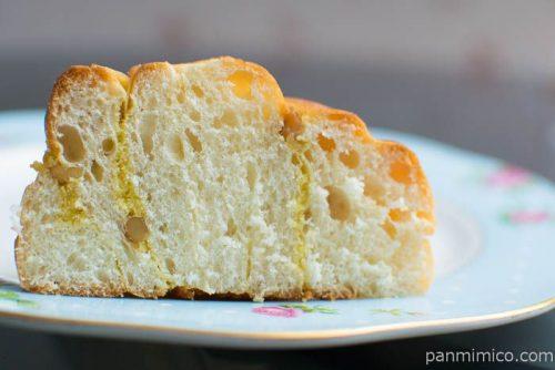 ナッツ&バナナケーキロール【第一パン】中身はこんな感じ