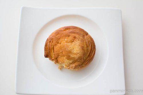 ふんわりとしたしっとりミルクパン【ファミリーマート】を上から見た図