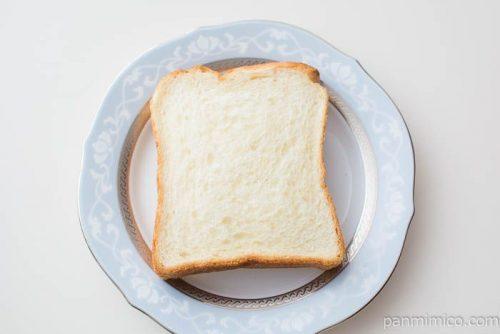 朝からさっくり食パン【神戸屋】スライス1枚を上から見た図