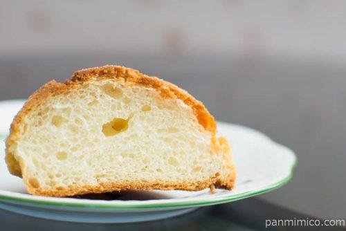 ブーランジェリー ビアンヴニュ本店バニラクッキーパン中身はこんな感じ