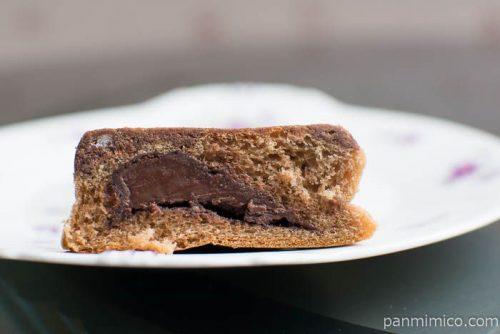 ザクザククッキーパン(チョコ)ホームパイ使用【ヤマザキ】中身はこんな感じ