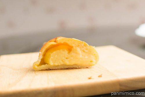【パンのお店ito】クリームパン中身はこんな感じ