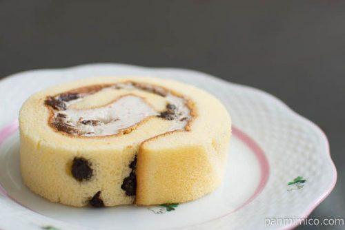 ラムレーズンロールケーキ【Pasco】横から見た図