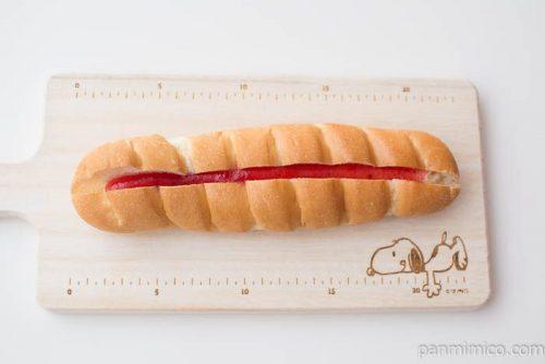 苺ジャム&練乳クリームパン(あまおう苺ジャム使用)【ヤマザキ】上から見た図