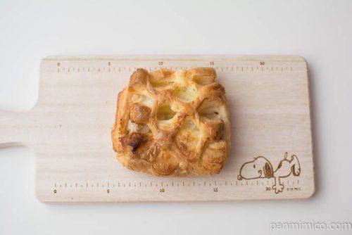 チキングラタンデニッシュ【第一パン】上から見た図