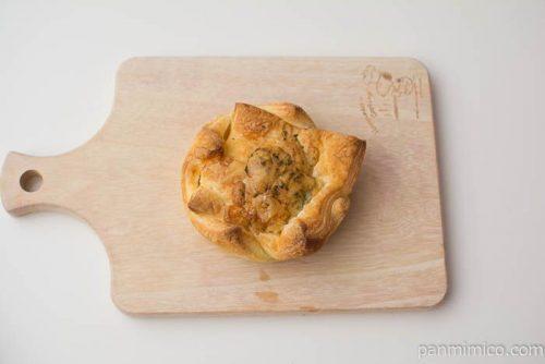 とろ~りチーズのミートパイ【ヤマザキ】上から見た図