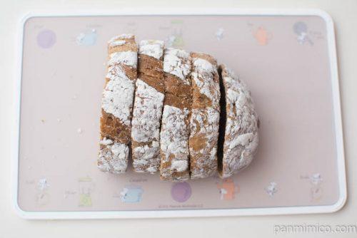 7種の穀物とくるみのパン【神戸屋】上から見た図