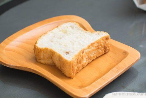 デニッシュブレッドくるみ(フランス産小麦)【ヤマザキ】横から見た図