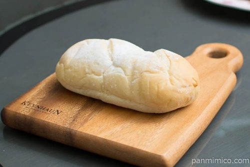 ダブルコーヒークリームコッペパン【ヤマザキ】横から見た図