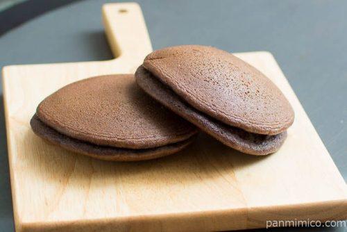 ブロンドチョコのパンケーキ【Pasco】横から見た図