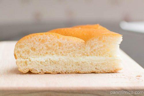 牛乳パン【セブンイレブン】中身はこんな感じ