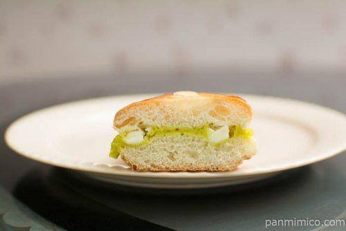 ラ・ベットラ ピスタチオ&ホワイトチョコ【第一パン】中身はこんな感じ