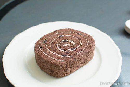 厚切りチョコロール(ベルギーチョコ入りチョコクリーム)横から見た図