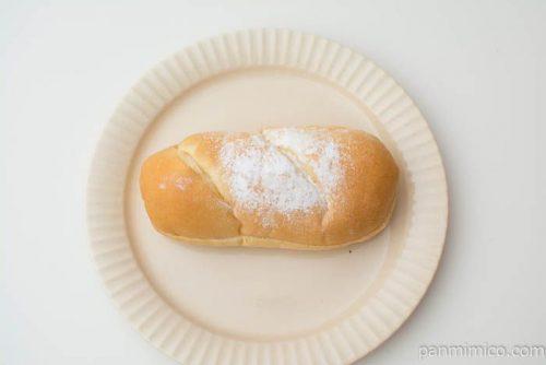 いちごホイップ&チョコクリームコッペパン【ヤマザキ】上から見た図