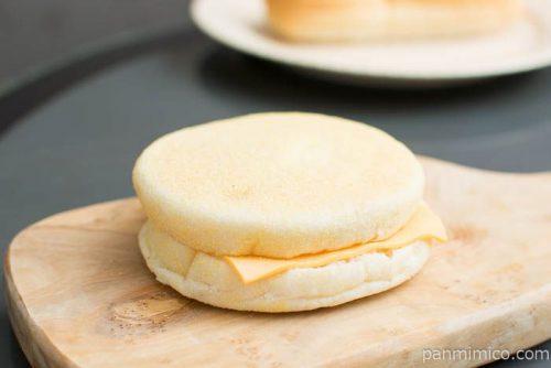 マフィンサンド エッグチーズ【Pasco】横から見た図