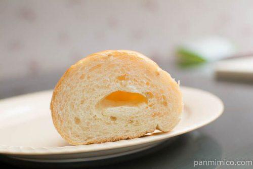 もち麦塩バターパン【神戸屋】断面図