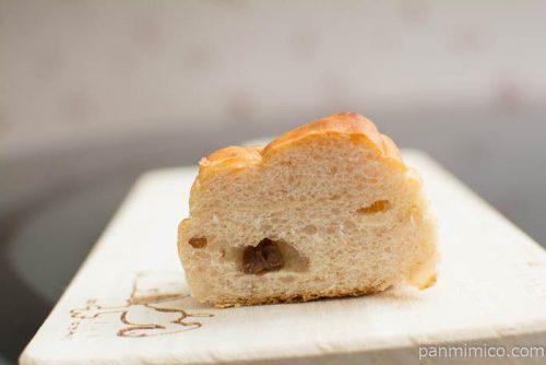 ゆめちから入り塩バターパン レーズン4個入【Pasco】断面図