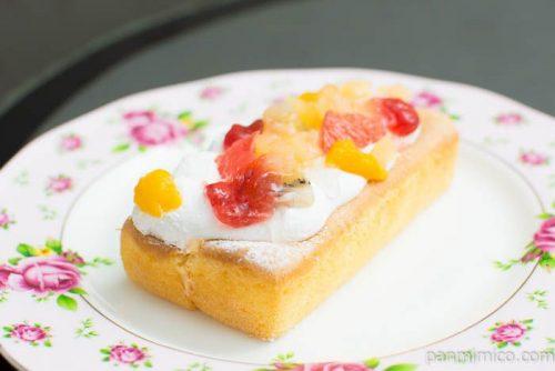 ふんわりフルーツケーキ【ドンレミー】横から見た図