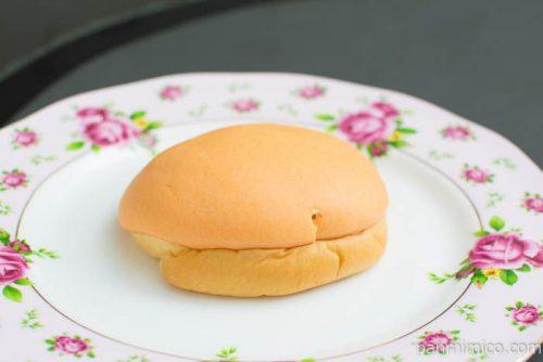 いよかんパン(ホイップクリーム入り)【ファミリーマート】横から見た図