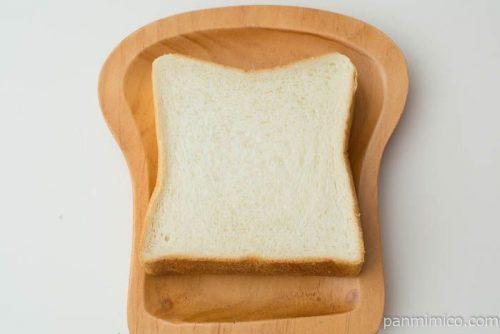セブンプレミアム ゴールド もっちり食感金の食パン厚切り2枚入上から見た図