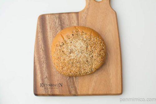 鶏そぼろれんこんパン(しょうが風味)【ファミリーマート】上から見た図