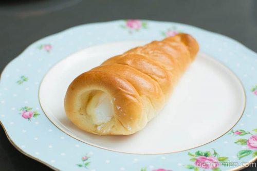 塩バターコロネ(塩バニラクリーム&ホイップクリーム)横から見た図