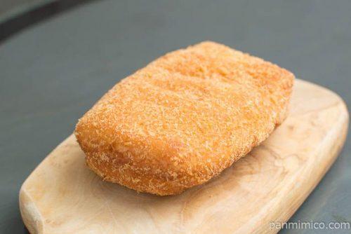たまごと鶏そぼろドーナツ【神戸屋】横から見た図