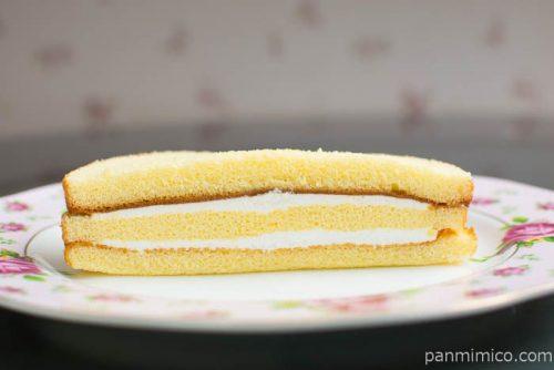 ホイップサンドケーキ(バニラヨーグルトクリーム使用)ヤマザキ断面図