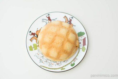 たっぷり!ホイップメロンパン【ファミリーマート】上から見た図