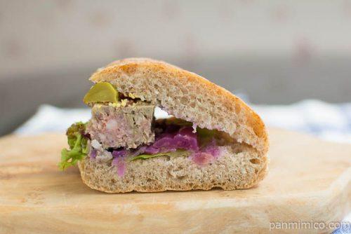 【プラス ドゥ パスト】自家製田舎風パテのサンドイッチ断面図