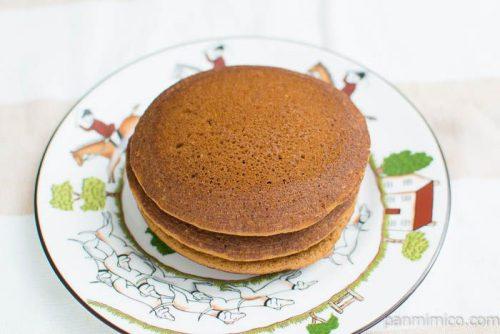 ホイップで食べるパンケーキ カフェラテ【Pasco】横から見た図