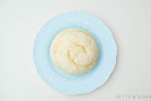 バニラホイップメロンパン【ヤマザキ】上から見た図
