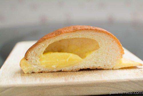 ルフィの麦わらぼうしパン【ヤマザキ】断面図