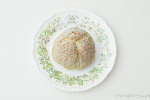 メロンクッキーシュー【ファミリーマート】上から見た図