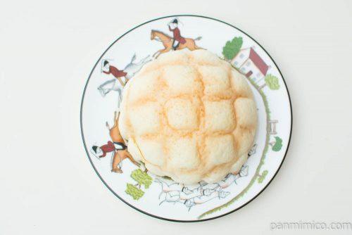 チーズケーキ!?メロンパン~ブルーベリークリーム&チーズホイップ~【ローソン】上から見た図