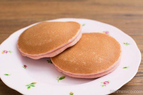 ルビーチョコ&ベリーパンケーキ 2個入【Pasco】横から見た図