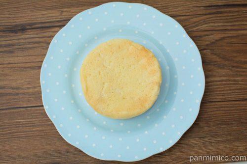 平焼きホイップメロンパン レアチーズ風味【Pasco】上から見た図