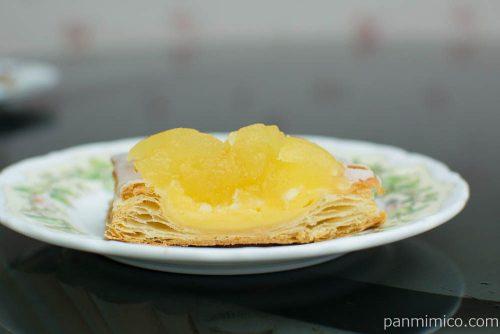 冷やして食べるしゃきしゃきりんごのアップルパイ【ファミマ】断面図