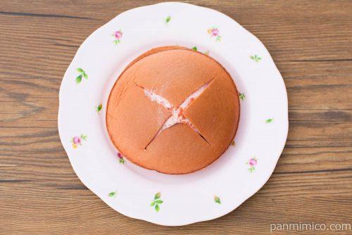 ダブルクリームサンド(あまおう苺&ホイップ)【ファミマ】上から見た図