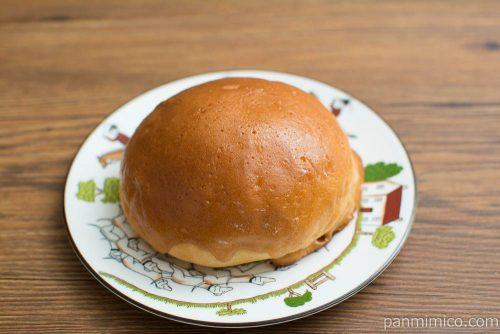 コーヒーホイップブールパン【ファミリーマート】横から見た図