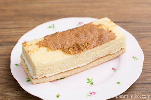 ケーキサンド(ミルク風味クリーム)【ヤマザキ】横から見た図