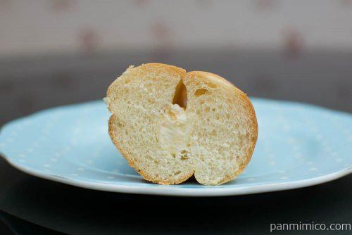 ふっくらナッツのクリームパン【ヤマザキ】断面図