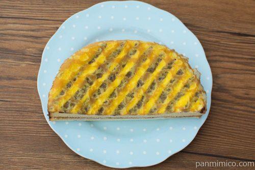 ローソン しっとり食感のクレープケーキ(六甲山麓牛乳入りバニラクリーム)上から見た図