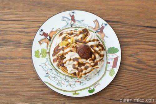 モンブランのクリームパンケーキ【ローソン】上から見た図