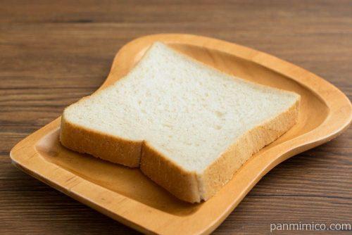 emini(エミニ)食パン 6枚切【第一パン】横から見た図