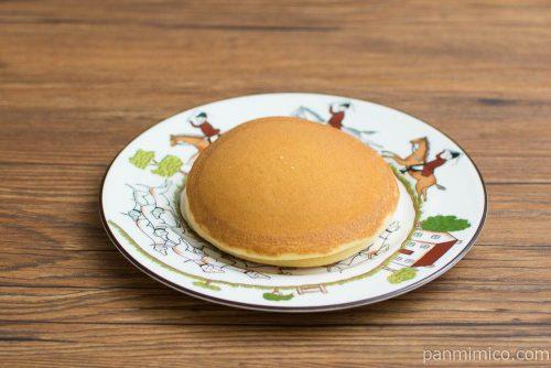 ラムレーズンクリームパンケーキ【Pasco】横から見た図