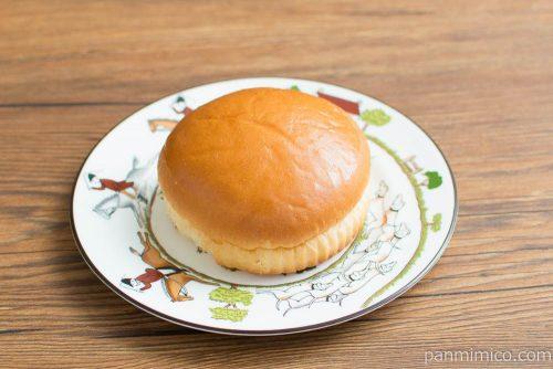 ホイップクリームパン【神戸屋】横から見た図