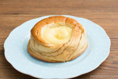 カスタードクリームを味わうデニッシュ【ヤマザキ】横から見た図